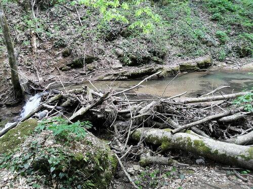 В апреле, поход к водопадам