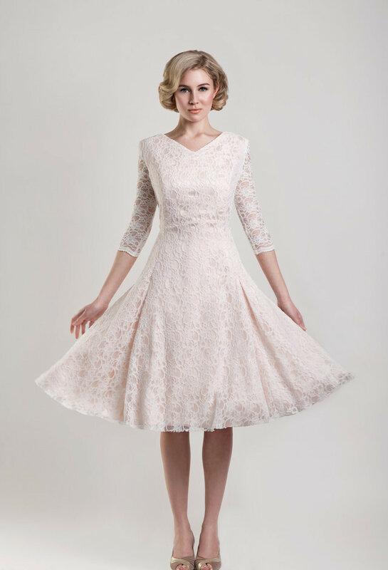 Короткие кружевные платья 12