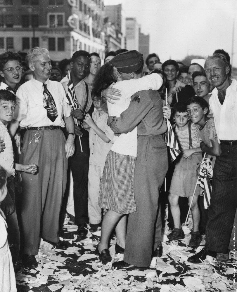 поцелуй победы .United States, August 1945
