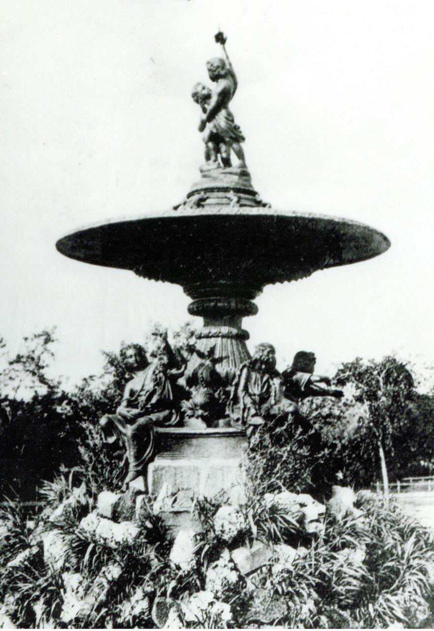 Александровский сквер. Фонтан. 1912