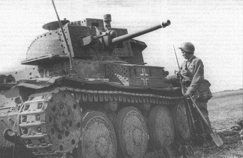 ������������ � ������������ ��������� ������� ����� �������� ������������ LT vz.38 (� �������� ����������� Pz.Kpfw.38(t)). � ������� ��������� ������ ���� ����������� ����� 600 ����� ������, ������� ����������� � ���� �� �������� 1942 ����. ����� ������: ���� 1941