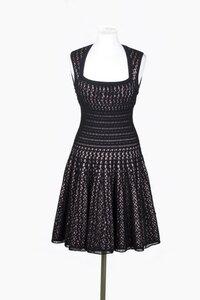 Романтика 50х - черное платье крючком от Azzedine Ala