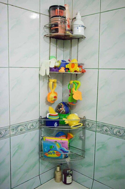 Полка для моющих в ванную своими руками 5