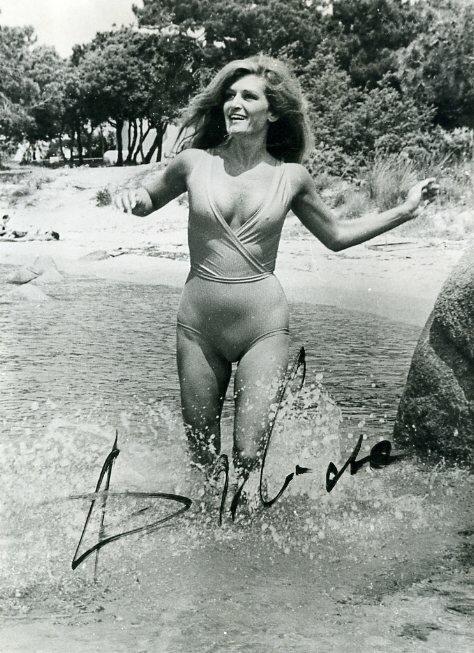 Фото голая певица далида