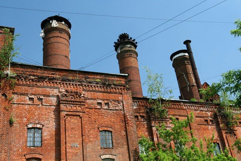 Главный корпус Бадаевского завода