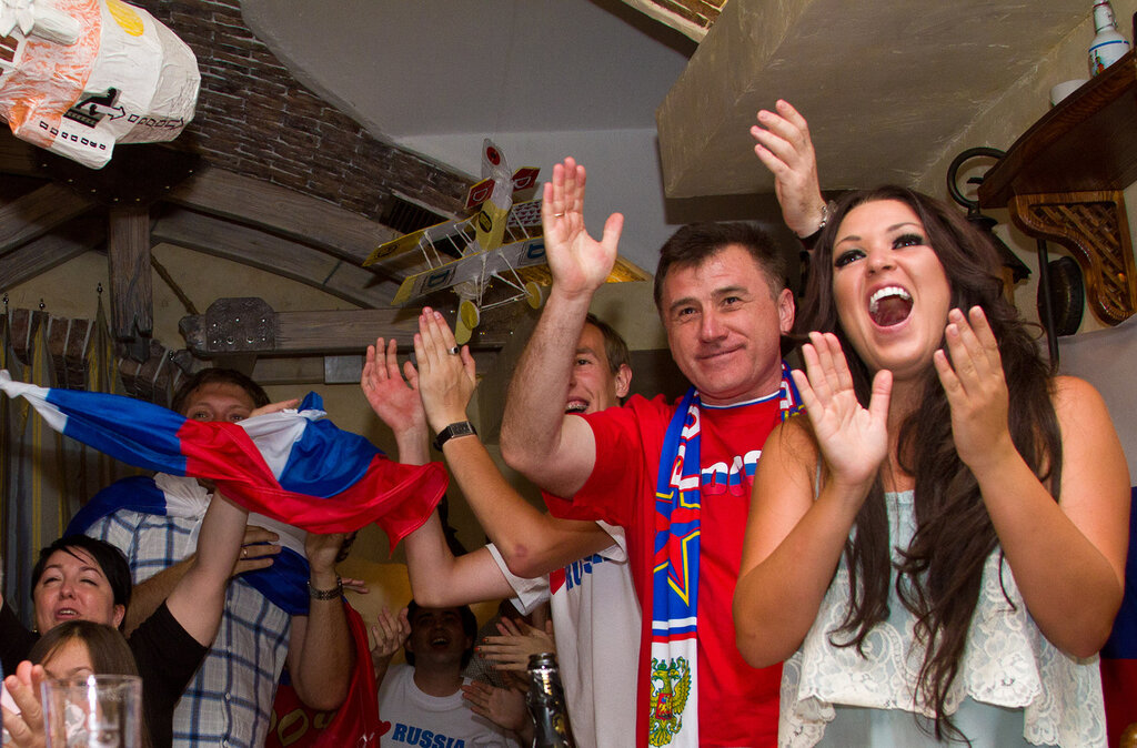 Волгоград, футбол, ЕВРО-2012, губернатор, Гусева, Ирина Дубцова, сборная России, болельщики