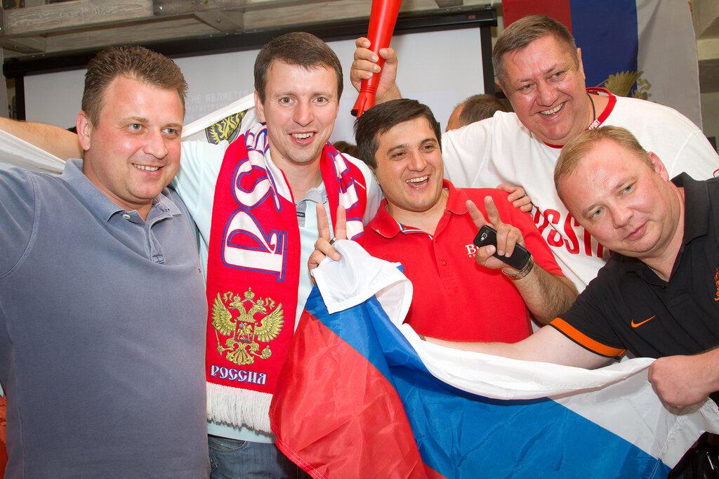 Волгоград, ЕВРО-2012, Херианов, Ефимов, Волоцков, Паршин, футбол, болельщики, сборная России