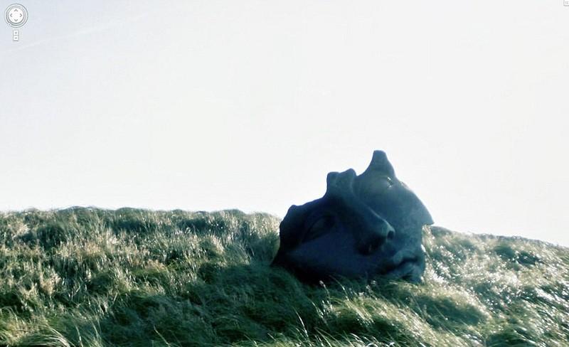 3. Лицо на холме.