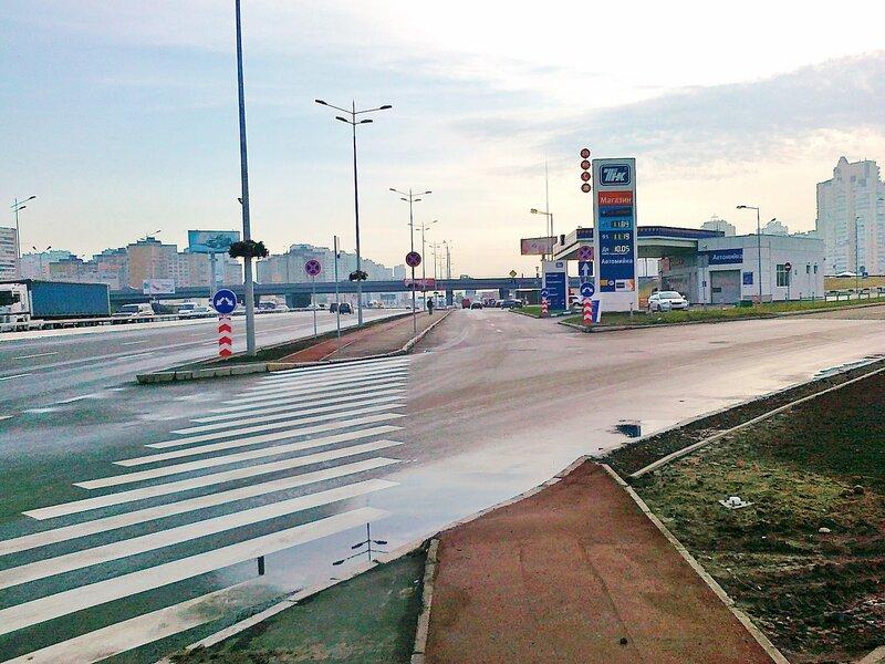 Новый участок дороги на проспекте Бажана