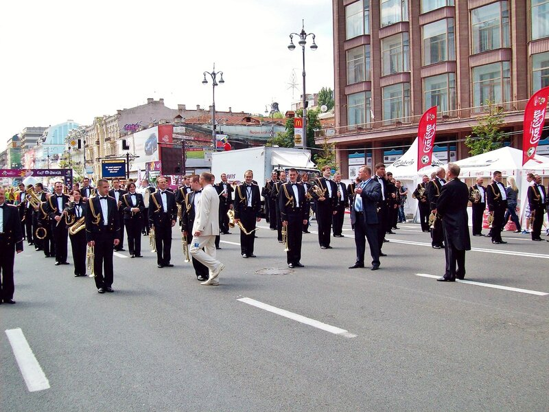 Президентский оркестр готовится к параду по Крещатику