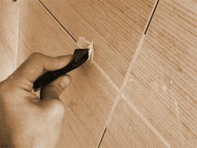 Как затирать швы на плитке.