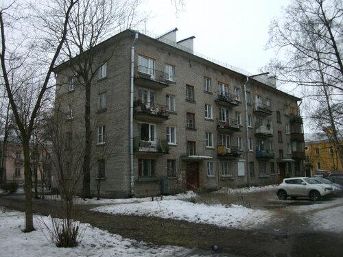 Дибуновская ул. 33