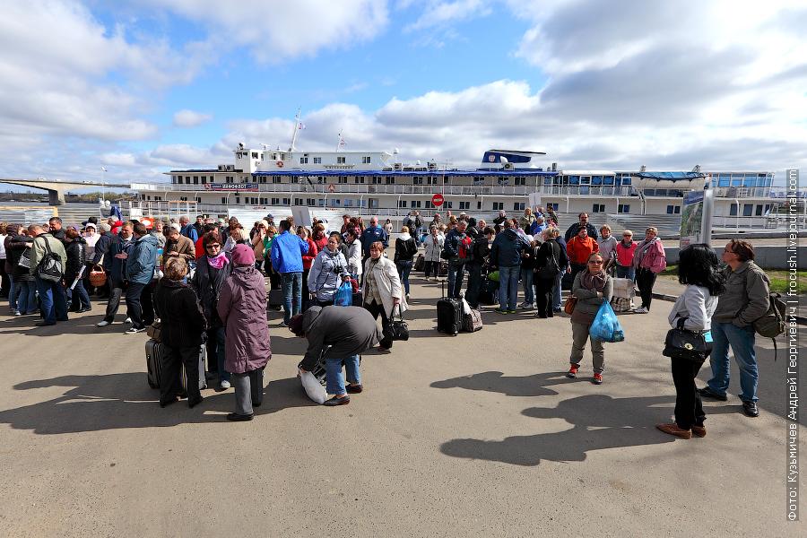 на речном вокзале Ярославля