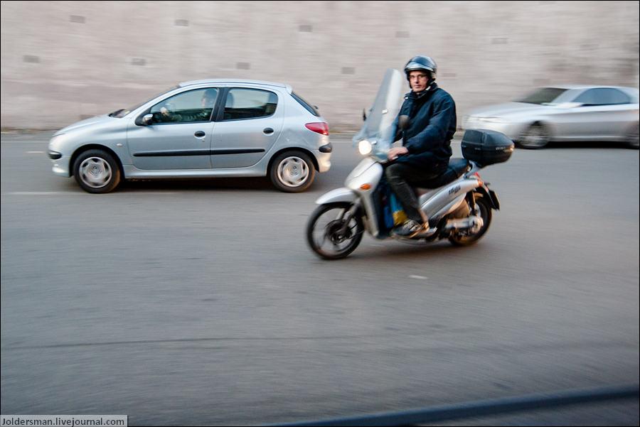 мотоциклист в Риме
