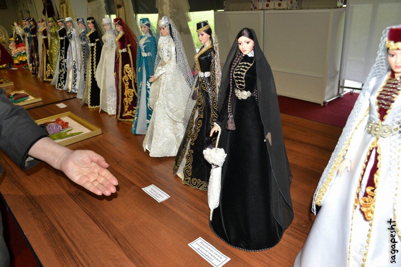 Карачаевские национальные платья