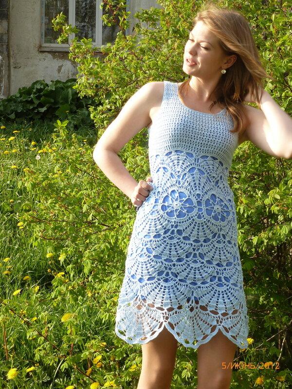 Вязаное платье ракушка