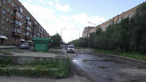 Фото города Инта №999  Улица Мира в сторону уличы Морозова в районе Мира 39 21.06.2012_11:44
