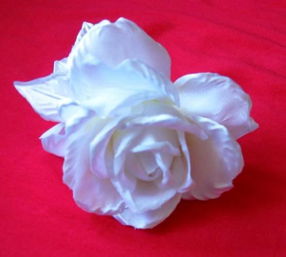 Белая роза поделка