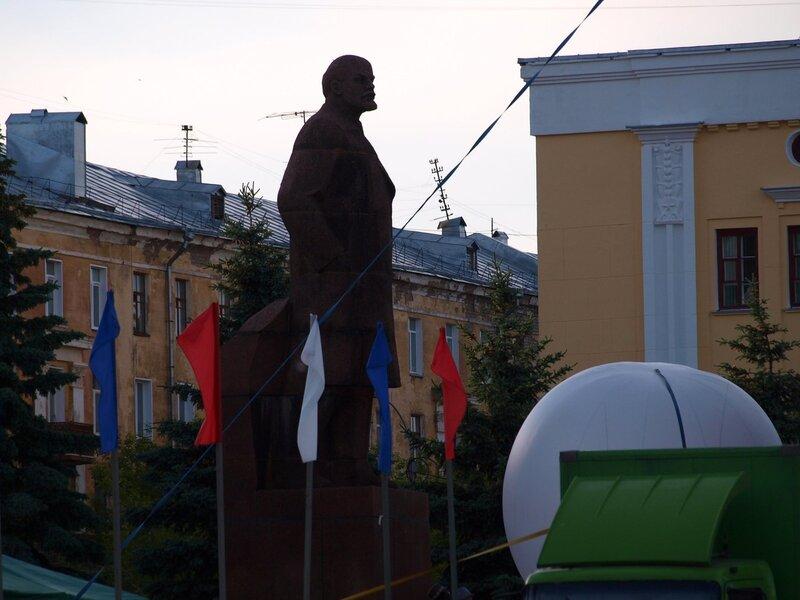 Чёрный Ленин (c)  ;)