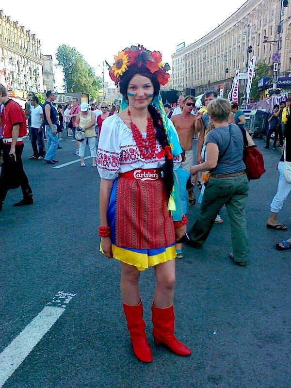 Украинская девушка в фан-зоне