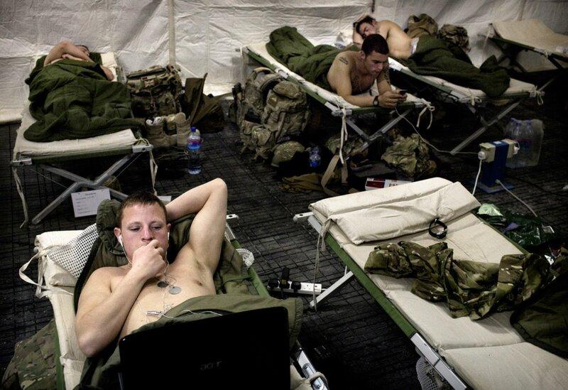 Afghanistan.<br />Britiske soldater i deres telt i Camp Price, Helmand