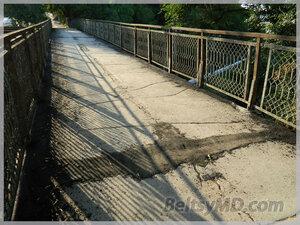 Пешеходный мост по ул. Дечебала