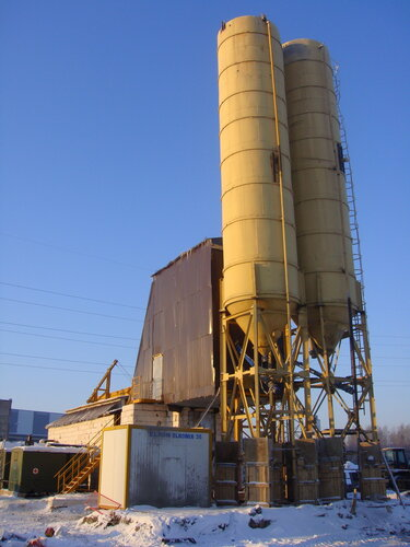 Бетонный завод, вид сбоку