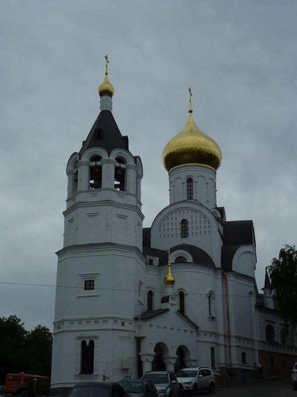 Церковь где-то в районе Ильинской улицы, которую идентифицировать не удалось...