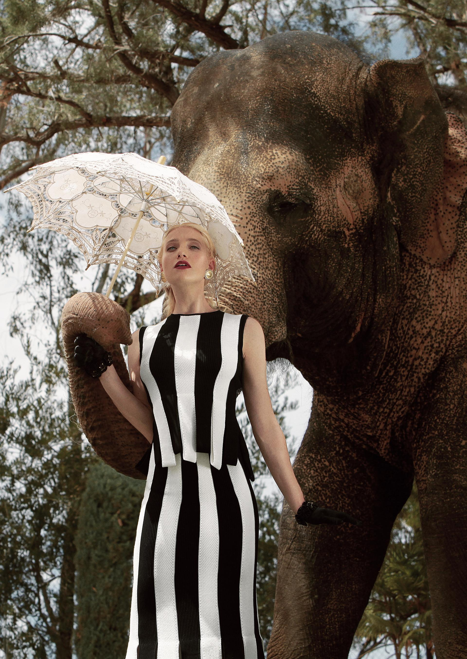 Девушка для слонов - Autumn For The Elephants / Autumn Kendrick by Jvdas Berra