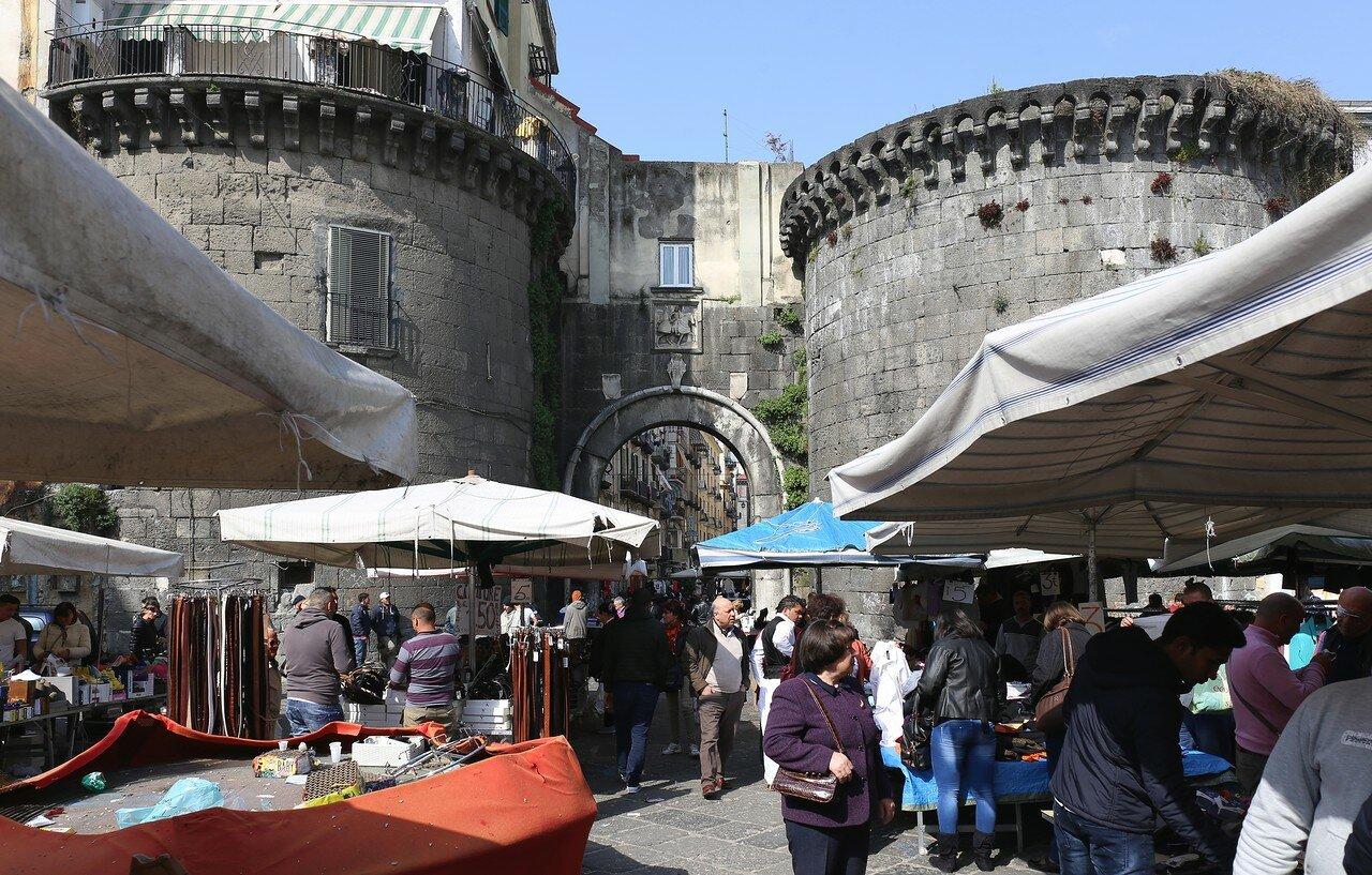 Неаполь. Рынок Порто Нолана ( Mercato di Porta Nolana)