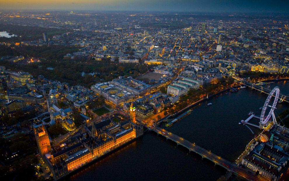 Ночной Лондон – вид сверху.  (25 фото)