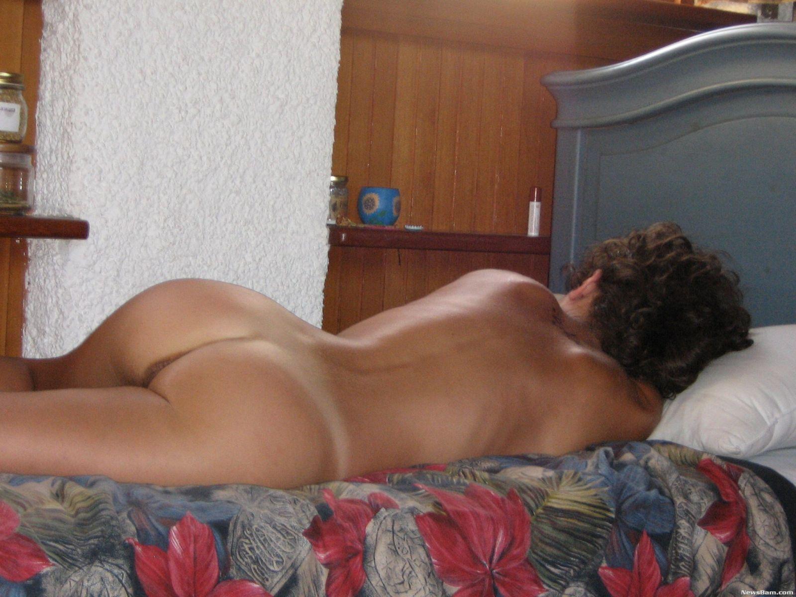 Спящая жена с большими сиськами 19 фотография