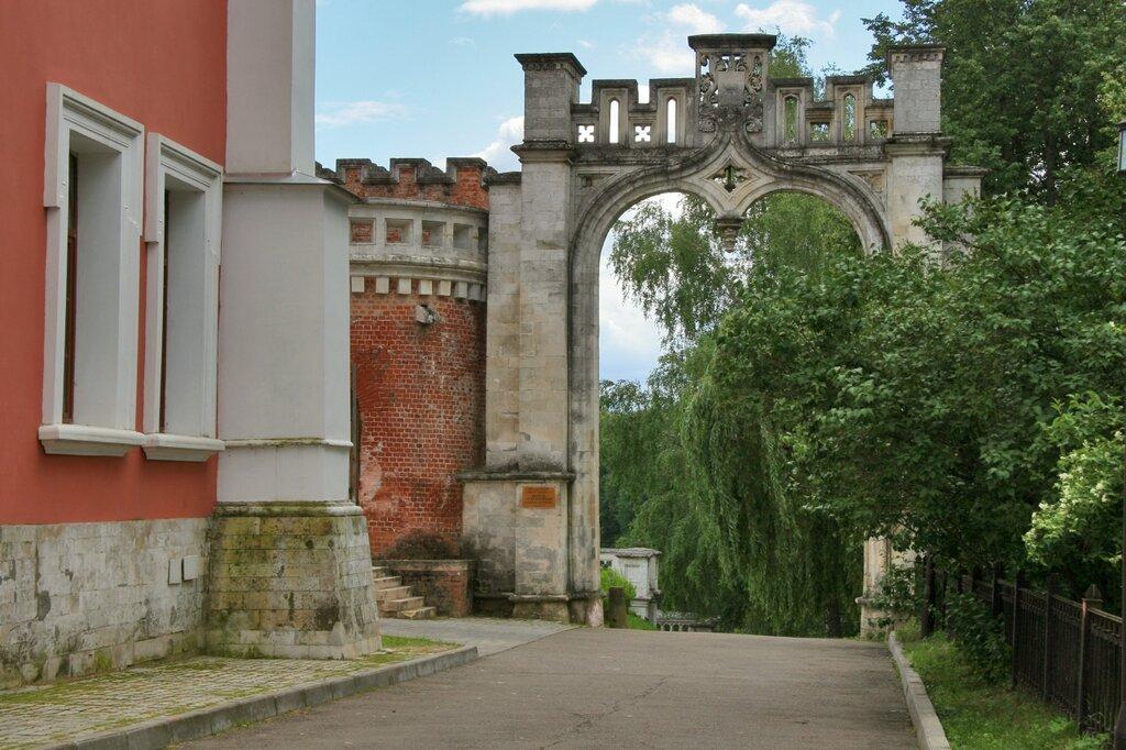 Въездные ворота, Марфино