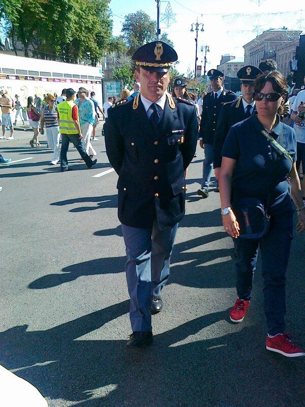 Итальянский полицейский в фан-зоне Киева