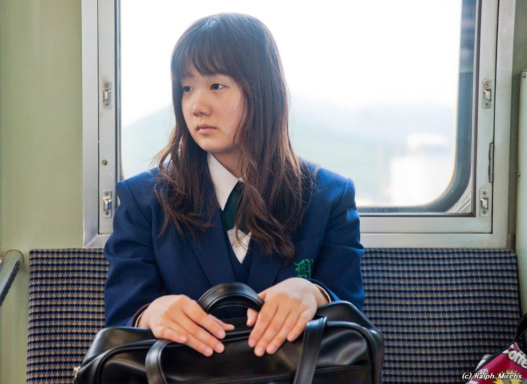 Под юбкой у школьниц японки