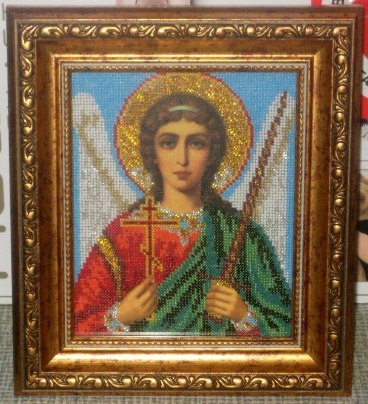 Ангел-хранитель из ювелирного бисера.