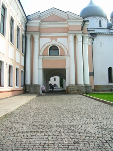 http://img-fotki.yandex.ru/get/6114/72224673.3/0_96695_84596f3a_L.jpg
