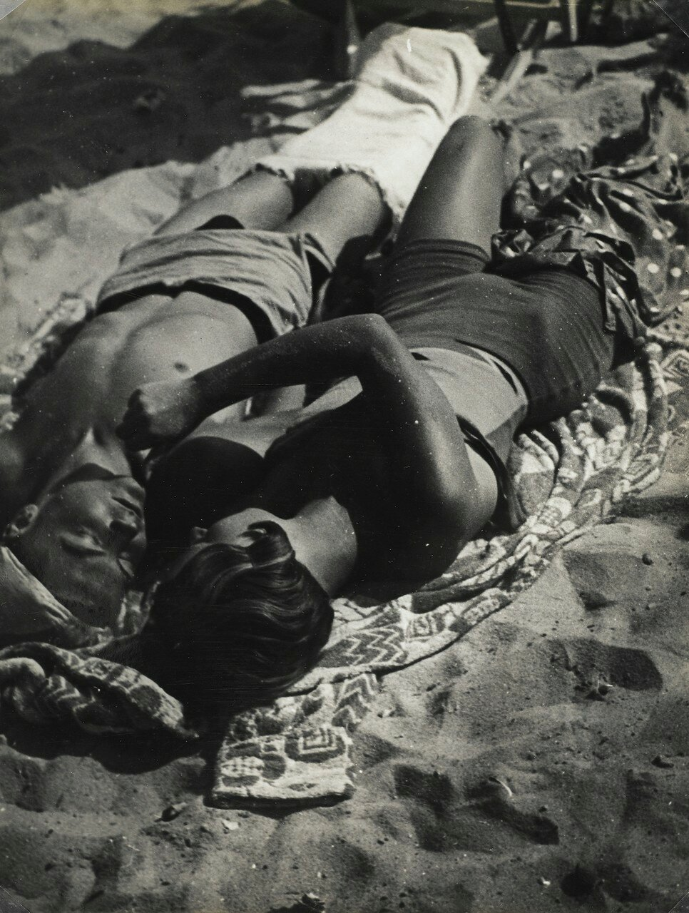 1934. Пара на пляже Жуан-ле-Пен