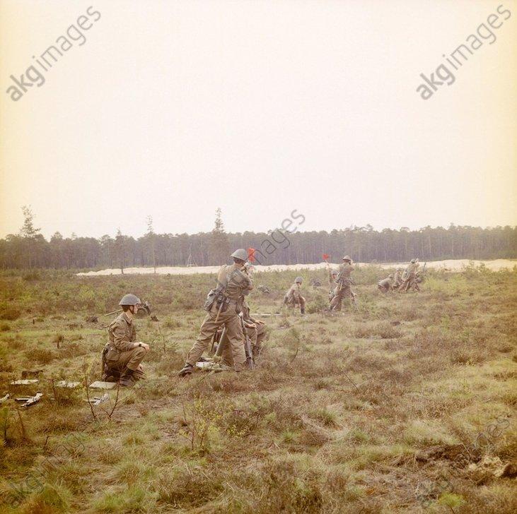 DDR-Volkspolizei/Waffenьbung/Foto 1984 - -