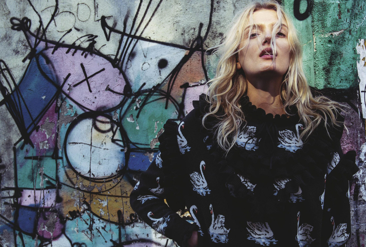Lily Donaldson / Vogue Australia September 2016 / Sebastian Kim