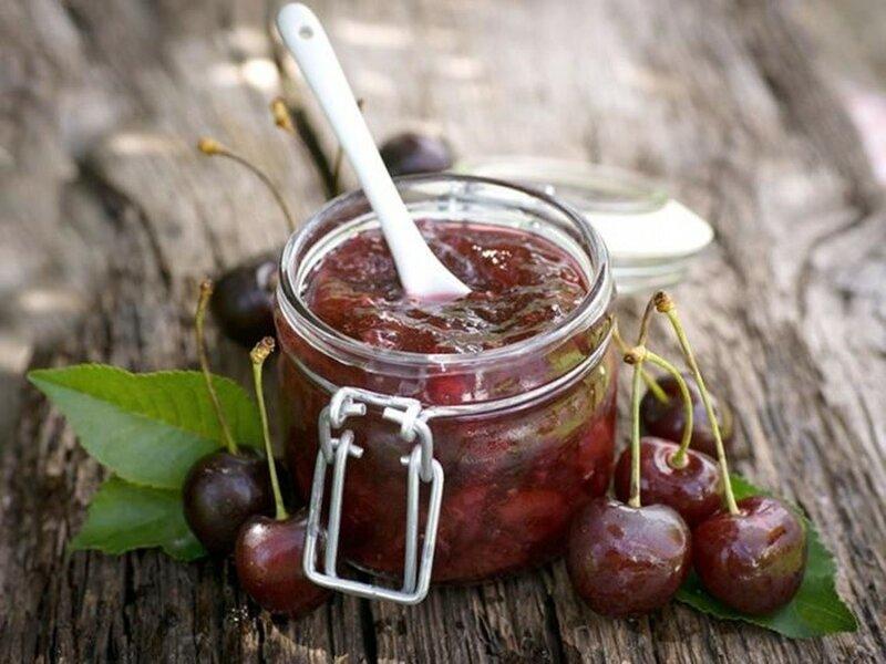 Варенье «Ассорти» (ягоды малины, вишни, крыжовника)