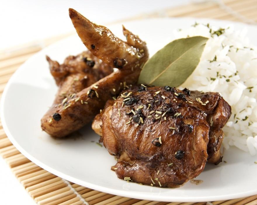 20. Филиппины Здесь предпочитают блюдо адобо с курицей или свининой, которые тушат в соевом соусе с