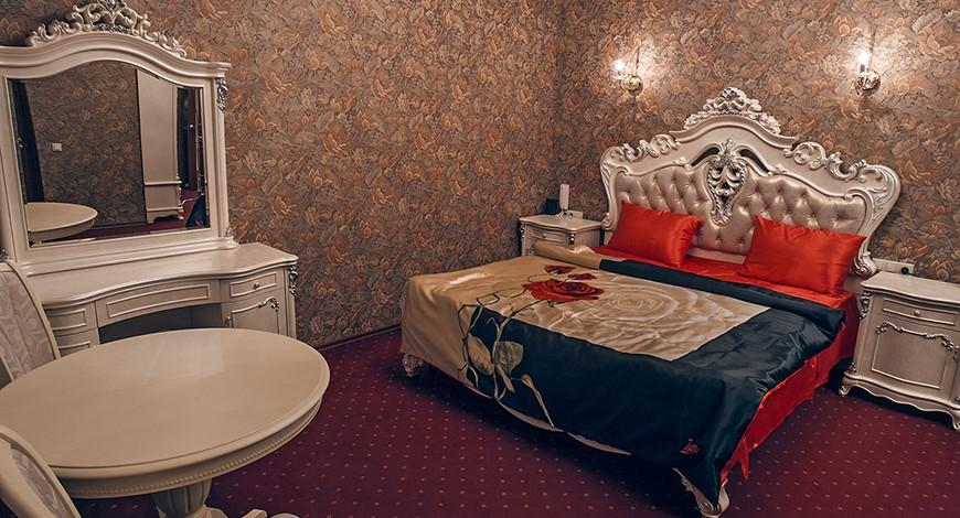 Также в некоторых мини-отелях, например, в петербургском мини-отеле «На камнях», можно производить п