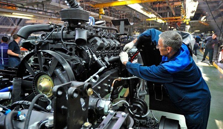 КамАЗ отменяет режим неполной рабочей недели сконца сентября