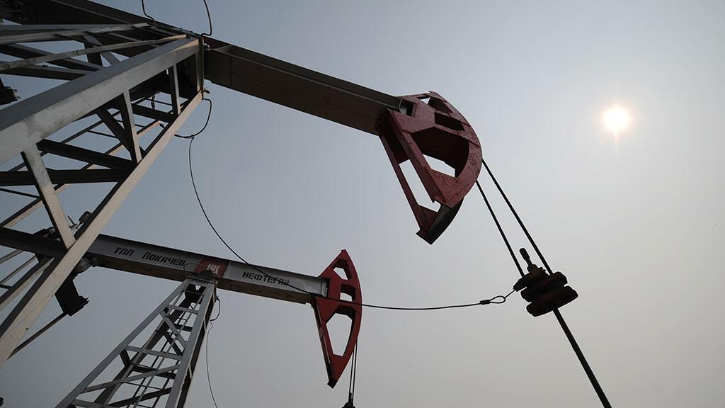 Нацену нефти повлияли новости изсоедененных штатов, Ливии иНигерии