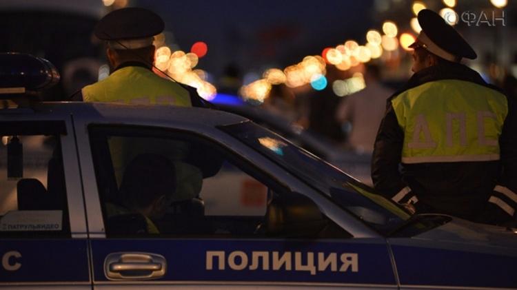 В российской столице легковой автомобиль сбил четырех человек наостановке