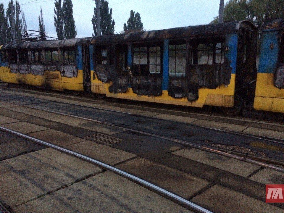 ВКиеве сгорели два трамвая