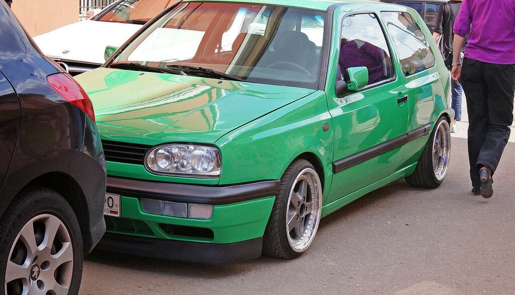 vw-golf-green-low-front-DSC02365.JPG