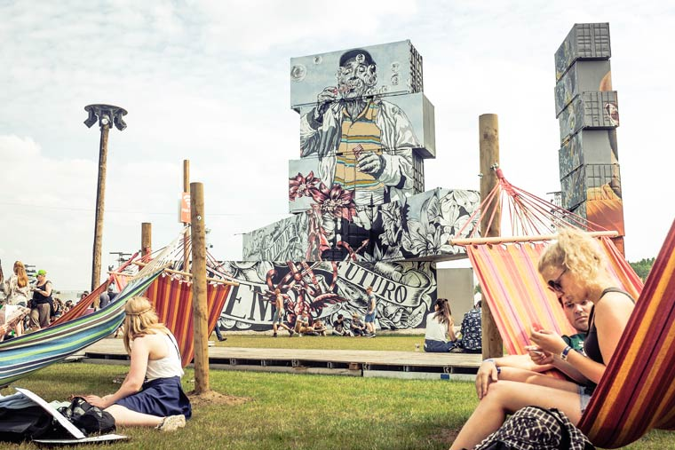 North West Walls - Gigantic street art creations on container structures
