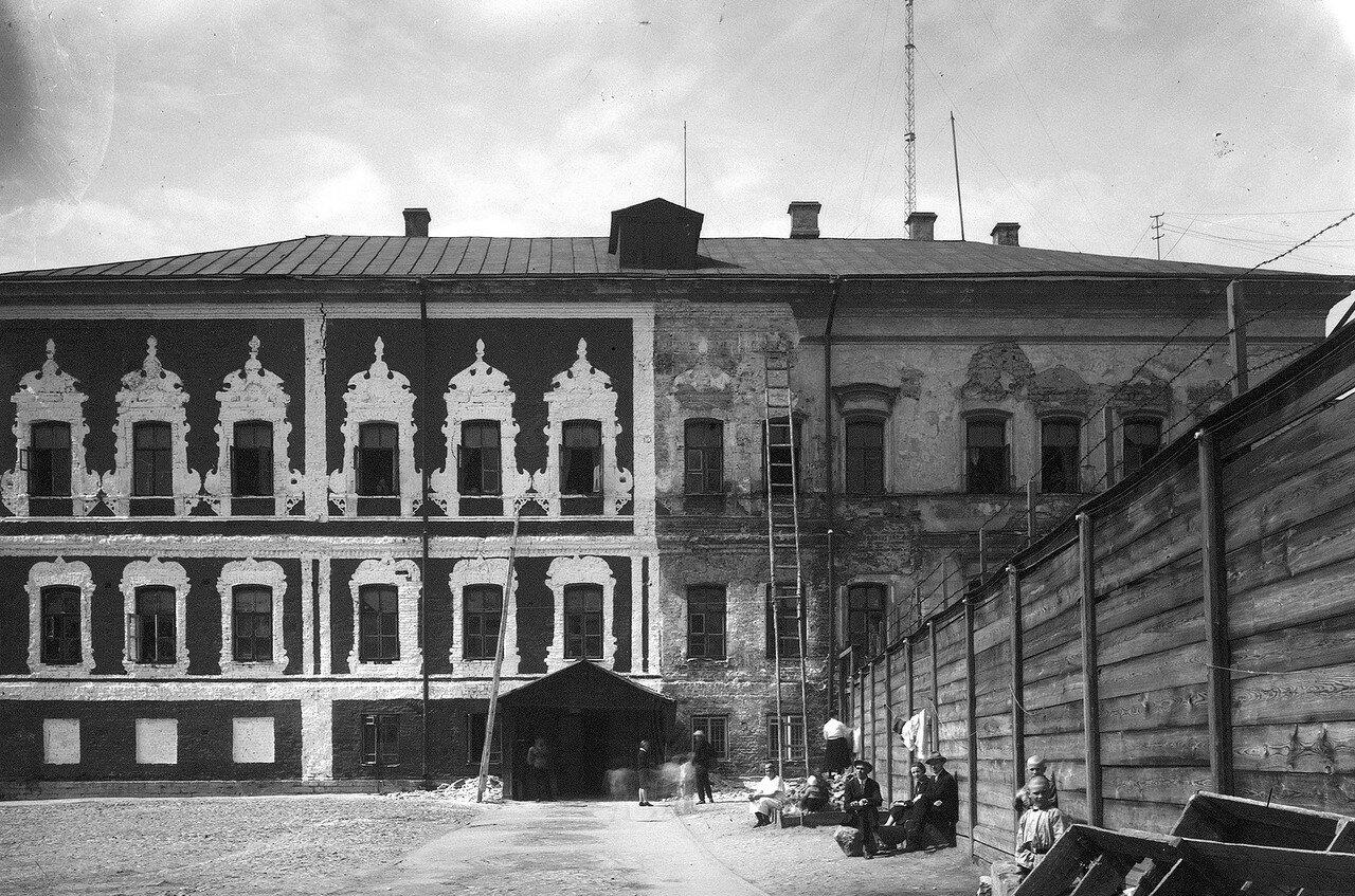 Палаты Троекурова во время реставрации. Конец 1920-х годов.jpg